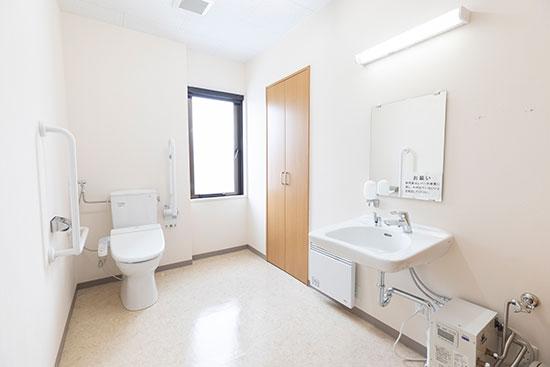 ほっと_車椅子対応トイレ